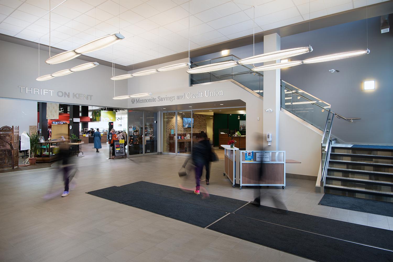 50 Kent Kitchener - Main Lobby